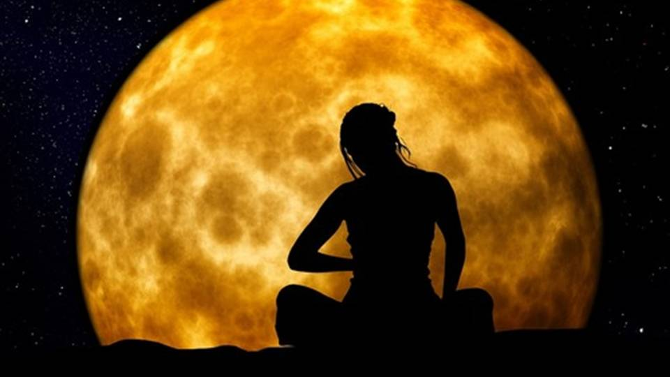 Moon Meditation - Is Witchcraft Real - Elune Blue (2)
