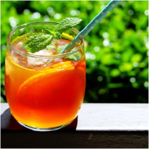 Sparkling Orange and White Pineapple Iced Tea