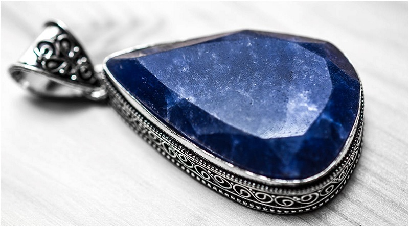 Sapphire Pendant - Sapphire Meaning and Uses - Elune Blue (Crystal Meanings)